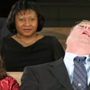 A te eshte bere e merzitshme kisha?
